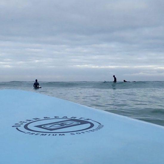on travail la technique pour que vous soyez le plus rapidement au large, dans les vagues!
