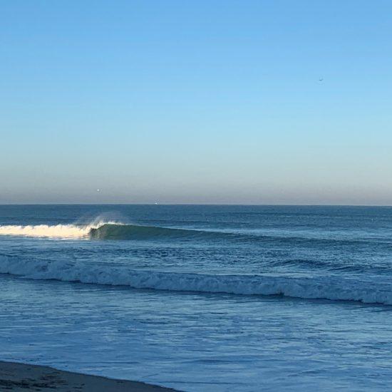 Le surf c'est la technique, mais c'est surtout le paysage et l'ambiance. Quand le soleil passe au dessus de la dune et qu'on aperçoit ça, la session est déjà gagnée!