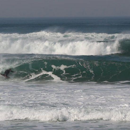 A bon niveau il peut-être intéressant de prendre un guide de surf. Les bancs de sable ne sont pas si facile à lire quand on n'est pas habitué. Vous pourrez être plus facilement au bon endroit au bon moment et découvrir les autres bancs de sables du moment pour surfer le reste de votre trip surf.