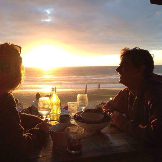Après une journée guidée, rien de tel que des tapas devant le coucher de soleil à se remémorer les bons moments du trip et planifier la suite :)
