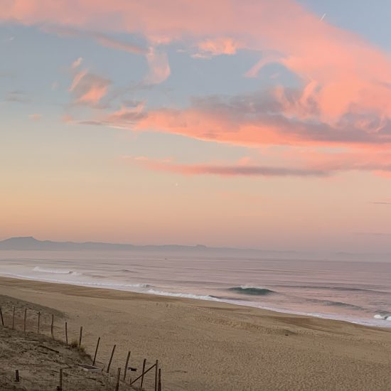 A beautiful Hossegor sunrise. The ocean conditions are constantly moving and changing. Taking a local expert guide is a real shortcut to finding the best waves at the best time.