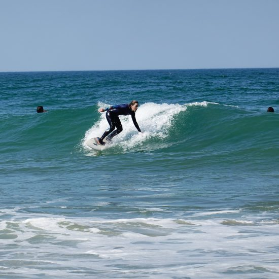 Working on the bottom turn, the most important turn to get in the rhythm of the wave!